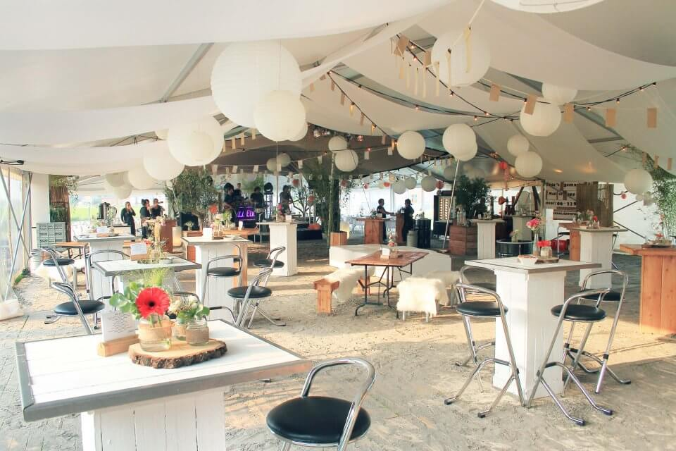 inrichting aluhal tent feest