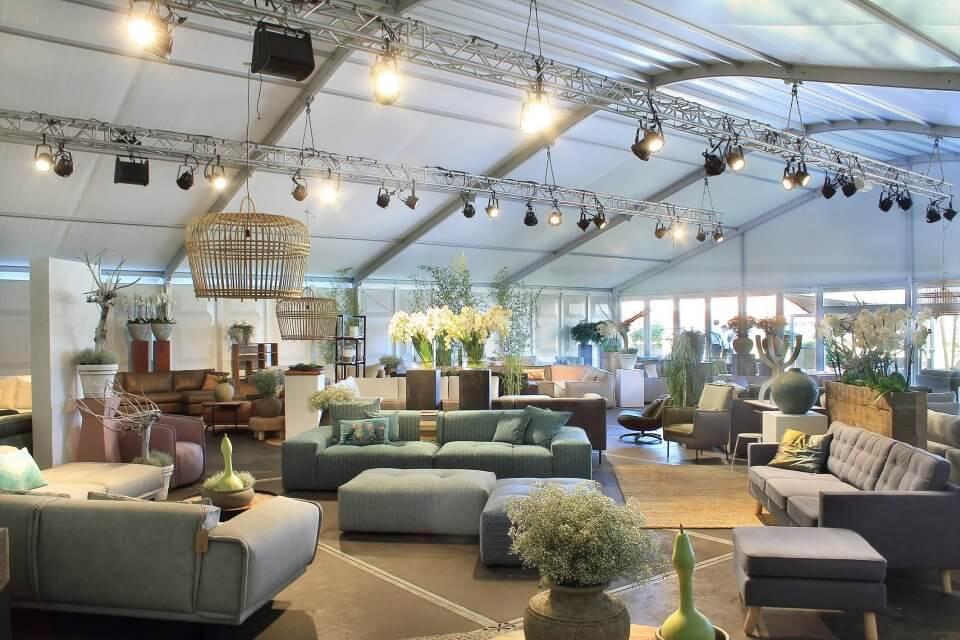 showroom tent