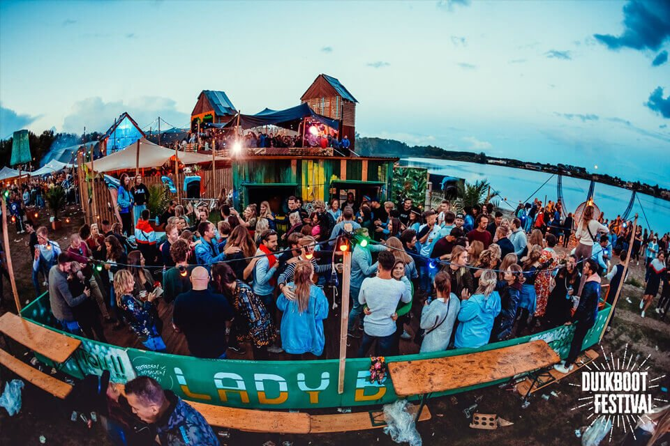duikboot festival referentie tenten