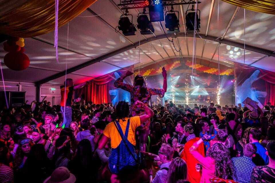Een tent huren voor Carnaval? Neem contact op! | Donselaar