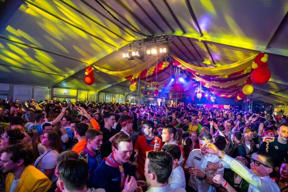 Aluhal tent huren voor carnaval